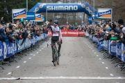 Mathieu van der Poel pakt zijn eerste titel in het veld bij de elite renners