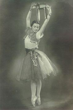 Tatiana Vecheslova  (1910 - 1991) Kirov( Mariinsky) Ballet,Leningrad (St.Petersburg).