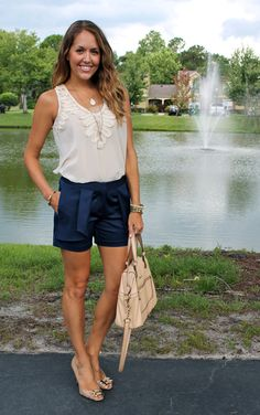 Newport News Maggie Shorts & stone pendant as seen on the blog @J's Everyday Fashion #SpiegelStyle | Shop now: https://www.spiegel.com/maggie-shorts-by-newport-news-45496.html