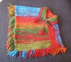 Como confeccionar un poncho para una niña tejiendo lana con dos agujas. Pancho Outfit, Kids Poncho, Crafts For Kids, Diy Crafts, Knitting For Kids, Knit Or Crochet, Knitting Patterns, Elsa, Blanket