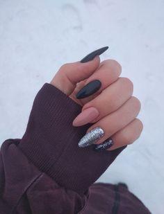 February 02 2020 at Making acrylic fingernails at home is incredibly easy as long Aycrlic Nails, Oval Nails, Nail Manicure, Pink Nails, Cute Nails, Pretty Nails, Hair And Nails, Nail Polish, Gold Glitter Nails