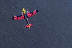 The first day of the qualifiers in the Red Bull Air Race in Perth.  Photos: Getty Images.