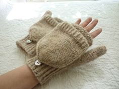 Cherubin's Midsummer Mittens - very pretty! Knitted Mittens Pattern, Knit Mittens, Crotchet Patterns, Knitting Patterns, Hat Patterns, Stitch Patterns, Fingerless Gloves Knitted, Knitted Hats, Loom Knitting