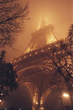 The Eiffel tower in the fog #photography #paris