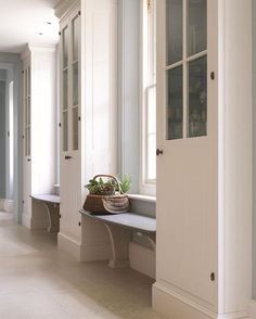 mudroom entry with benches and built-ins Floor Design, House Design, Bespoke Kitchens, Kitchen Styling, Tall Cabinet Storage, Pantry Storage, Extra Storage, Kitchen Organization, Kitchen Storage