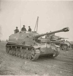 K gepanzerte Selbstfahrlafette IVa (Dicker Max) Self-Propelled Artillery (SPA) / Tank Destroyer (TD) Tracked Support Vehicle Panzer Iii, Army Vehicles, Armored Vehicles, Self Propelled Artillery, Tank Armor, Ww2 Photos, Ww2 Pictures, Military Armor, Tank Destroyer