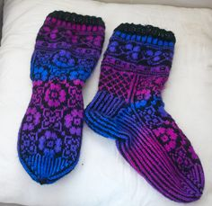 Drops design Drops Design, Socks, Fashion, Moda, Fashion Styles, Sock, Stockings, Fashion Illustrations, Ankle Socks