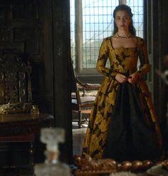 Mary on Reign Tudor Fashion, Reign Fashion, Hijab Fashion, Reign Dresses, Old Dresses, Adelaide Kane, Marie Stuart, Reign Tv Show, Reign Mary