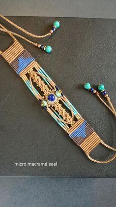 Makramé Makramee-Armband im ägyptischen Stil. Macrame Necklace, Macrame Jewelry, Ethnic Jewelry, Diy Jewelry, Handmade Jewelry, Arm Bracelets, Macrame Bracelets, Chevron Friendship Bracelets, Hippie Chic