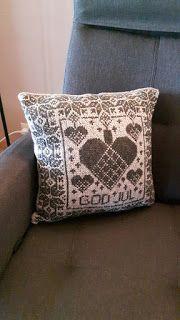 Håndarbeidsbugla Diagram, Throw Pillows, Toss Pillows, Cushions, Decorative Pillows, Decor Pillows, Scatter Cushions