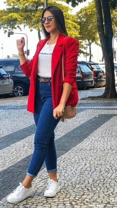 Red Blazer Outfit, Mens Casual Dress Outfits, Jeans Outfit For Work, Cute Preppy Outfits, Look Blazer, Cute Outfits With Jeans, Classy Outfits, Chic Outfits, Fashion Outfits