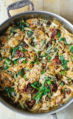 Chicken Pasta with Spinach & Sun Dried Tomatoes in a Healthy Fettuccine Alfredo Sauce made from Cauliflower.