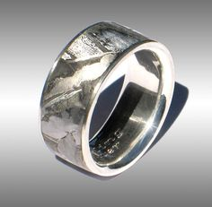 Finest Quality Seamless Meteorite Rings, Meteorite Bands, Meteorite Engagement Rings and Meteorite Wedding Bands