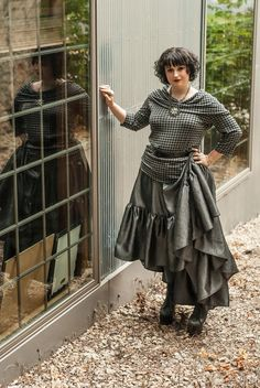 This steampunk skirt is so fun and not like every other skirt! 5 yards of all the gorgeous crinkle taffeta.    This skirt hits right belong the