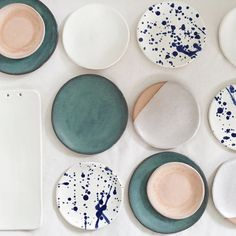 We are obsessed with ceramic plates. Check out her mugs, too! ANNA EAVES - Decoration for House Ceramic Plates, Ceramic Pottery, Ceramic Art, Teller Set, Kitchenware, Tableware, Paperclay, Deco Design, Decoration