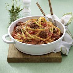 Nudeln mit Hackbällchen und Ricotta-Tomatensoße Rezept   LECKER