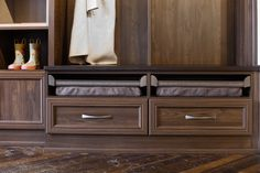 Stunning soft leather bench is essential to a great mudroom design. Leather Bench, Soft Leather, California Closets, Entryway Storage, Cubbies, Open Shelving, Mudroom, Storage Ideas, Living Area