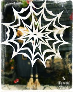 Green Halloween » Last minute Halloween Craft: Spider Web!