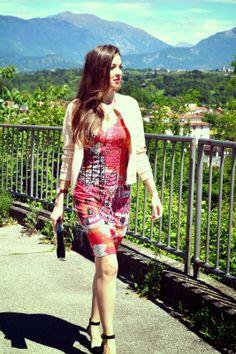 SummerCaffe: Be Original Today: Italian Brand Eroke Dress + Bomber Jacket! http://www.summercaffe.com/2014/05/be-original-today-italian-brand-eroke.html