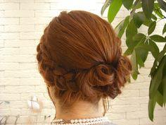 画像 : 【かわいい】結婚式・披露宴・パーティーで役立つヘアアレンジカタログ【髪型・ヘアスタイル】 - NAVER まとめ