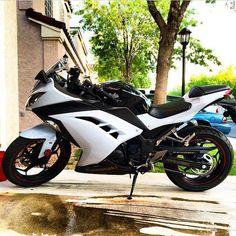 Kawasaki Ninja300 Photo: @jvponyboy T Shirt Available Link In Bio⬆ ⬆ ⬆ # Motorbike #motorcycle #sportsbike #yamaha #honda #suzuki #kawasaki #ducati  ...