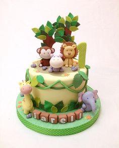 43 Me gusta, 4 comentarios - Custom Cake JKT (Cakebymoist) (cakebymoist) en Inst. Jungle Birthday Cakes, Jungle Theme Cakes, Animal Birthday Cakes, Safari Cakes, Zoo Cake, Torta Baby Shower, Safari Baby Shower Cake, Rodjendanske Torte, Cakes For Boys