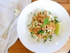 Slow cooker coconut almond chicken curry