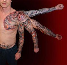 Tatouage Biomécanique Coffre Sleeve par El Loco Tattoo Lounge