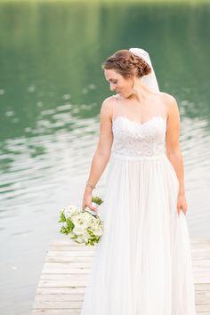 anna grace photography baltimore maryland wedding photographer pond view farm, mint teal wedding details, barn outdoor wedding
