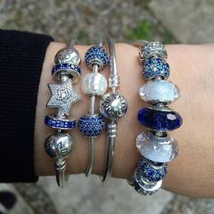 This combo feels very glamorous for me and my not very glamorous lifestyle . #officialpandora #theofficialpandora #pandorabracelets #silverjewellery #pandoraaddict #myarmparty #armstack  #navyblue #bluepavé #frosty #shimmer #murano #glassbeads #essence #peace #generosity #motherofpearl  #lovemyjob #uniqueasweare @theofficialpandora