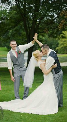 20 funny ideas for wedding pictures | Deco & Celebrate | Pinterest ...