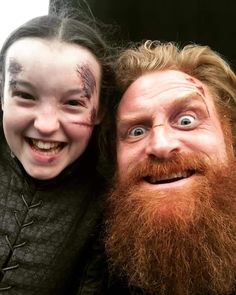 Game of Thrones: Bella Ramsey and Kristofer Hivju Game Of Thrones Set, Game Of Thrones Facts, Game Of Thrones Funny, Game Of Thrones Bloopers, Acteurs Game Of Throne, Got Finale, Kristofer Hivju, Lyanna Mormont, 7 Arts