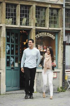 Josh Murray and Andi Dorfman Leave a Shop in Ghent in Episode 7
