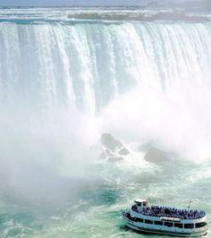 Les Chutes du Niagara au Canada. Quand on est en-dessous c'est vraiment impressionnant !