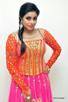 poorna shamna kasim Saree Wearing Styles, Bridal Boudoir Photography, Most Beautiful Indian Actress, Beautiful Actresses, Beautiful Saree, India Beauty, Indian Girls, Indian Actresses, Blouse Designs