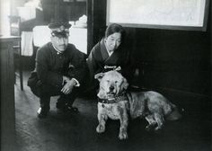 """taishou-kun: """" Hachiko ハチコ (November 1923 - March at the Shibuya Station 渋谷駅 with the stationmaster, Tokyo - Japan - c. 1933 """" The photo was taken after Hachiko's owner's death in Japanese Dog Breeds, Japanese Dogs, Hachiko Dog, Hachi A Dogs Tale, Celebrity Dogs, Famous Dogs, Dog Stories, Shiba Inu, Tokyo Japan"""