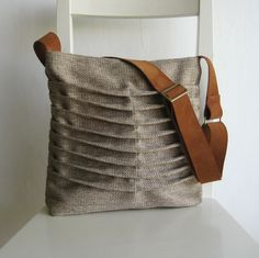Natural Color Canvas pleated Bag