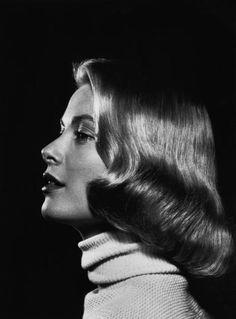 Grace Kelly pageboy hair