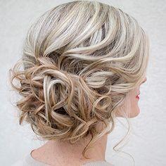 Trending on Pinterest: this gorgeous side-swept updo! : @hairandmakeupbysteph