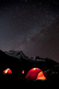 RV And Camping. Great Ideas To Think About Before Your Camping Trip. For many, camping provides a relaxing way to reconnect with the natural world. If camping is something that you want to do, then you need to have some idea Camping Survival, Camping And Hiking, Outdoor Camping, Camping Ideas, Camping Places, Backpacking Tips, Camping Outdoors, Outdoor Travel, Trekking
