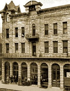 The Bullock Hotel - Opened in Thank you Lana. The Bullock Hotel in Deadwood, South Dakota. Most Haunted Places, Spooky Places, Abandoned Buildings, Abandoned Places, Deadwood South Dakota, North Dakota, Places In America, Into The West, Ghost Hunting