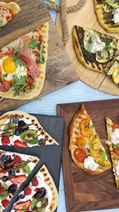 Warm weather is the perfect excuse to try grilling your pizza with these 4 varied and delicious versions.