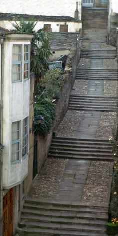 The Spanish steps of Sarria, Camino de Santiago. Keep reading http://creativetravelcanada.com/2014/06/04/the-spanish-steps-of-portomarin/