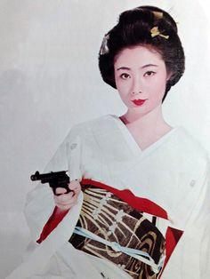 taishou-kun:  Fuji Junko 藤純子 - Japan - 1960s Source : Twicsy Satoshi Iwase