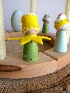 Miss Yellow Daffodil, Spring Birthday Ring Decor, Waldorf Birthday, Spring Nature Table, Peg Doll, Crown, Girl Birthday, green, yellow
