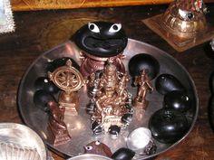 http://creative.sulekha.com/panchayathana-puja-and-the-shalagramam_241704_blog
