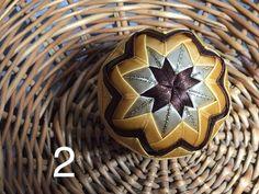 Dekorácie - vianočné patchworkové gule zlato-hnedé - 7147301_