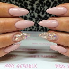 ♡nude pink stiletto nails sparkle