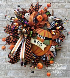 Halloween Wreath, Halloween Wreath for Front Door, Halloween Decor This Adorable Halloween wreath is a stunner! Loads of designer elements in this wreath including a metal sign from The Roundtop Collection. This wreath will pop on y Halloween Front Door Decorations, Halloween Front Doors, Halloween Mesh Wreaths, Holiday Wreaths, Fall Halloween, Halloween Crafts, Halloween Patterns, Outdoor Decorations, Halloween Ideas