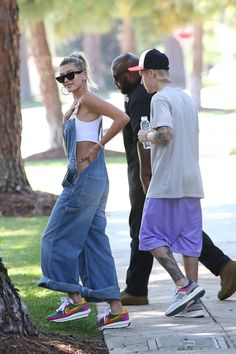 Justin Bieber wearing New Balance 997 Aime Leon Dore (Yellow Tongue) Sneakers, Drew House Drew House Shorts – Trendsshe Kendall, Kylie, Justin Bieber, Looks Street Style, Looks Style, Celebrity Outfits, Celebrity Look, Beverly Hills, Bella Hadid